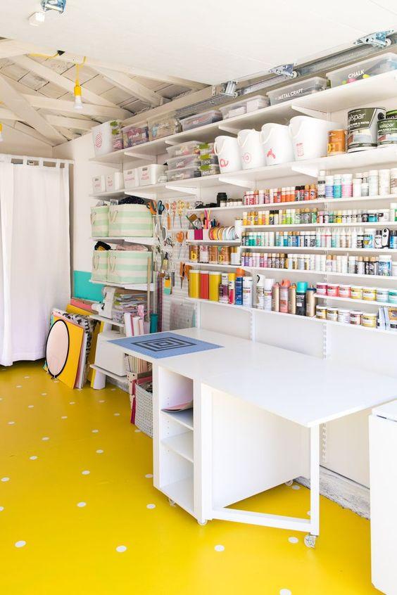 da garage a craft room (2)