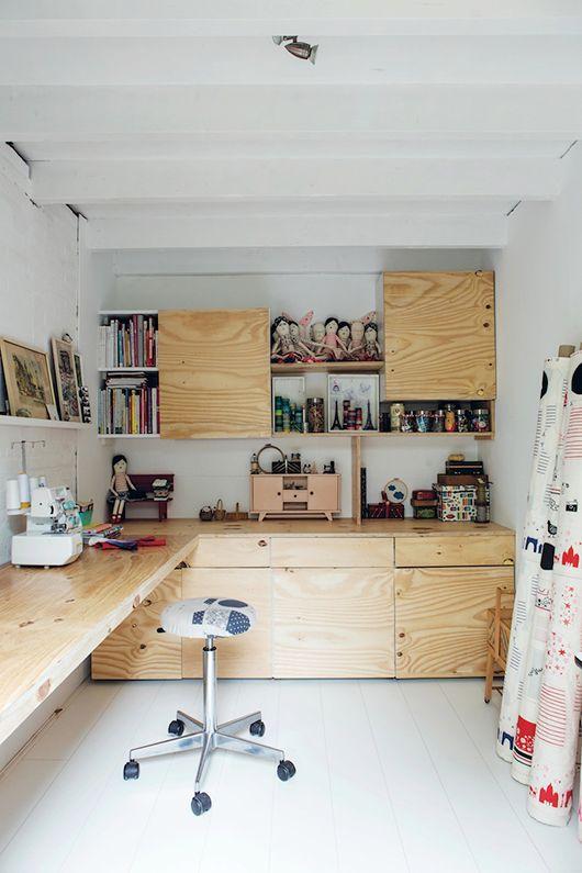 da garage a craft room (3)